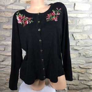 0X Karen Scott Black Embroidered Floral Sweater